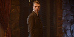 Ben-McKenzie-in-Gotham-Season-2-Episode-1