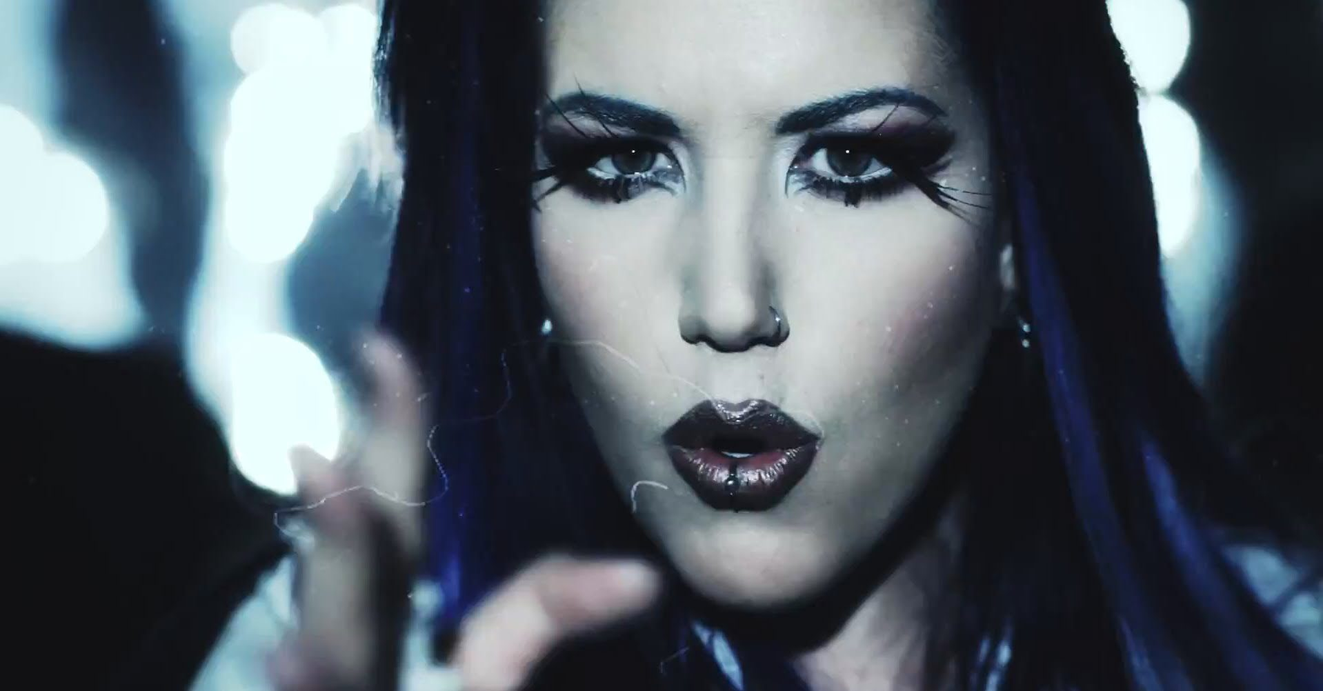 """ARCH ENEMY Reveals Music Video For Debut Single, """"The World Is Yours"""""""