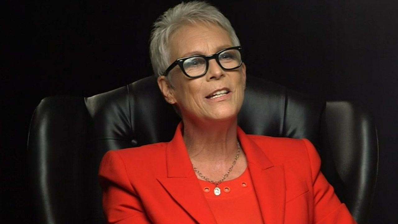 'Halloween's Star Jamie Lee Curtis Joins Rian Johnson's Thriller 'Knives Out'